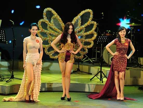 Nữ sinh Học viện Âm nhạc quyến rũ trên sân khấu