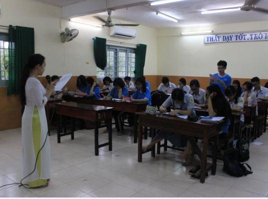 Tổ chức cho học sinh làm thử đề tham khảo